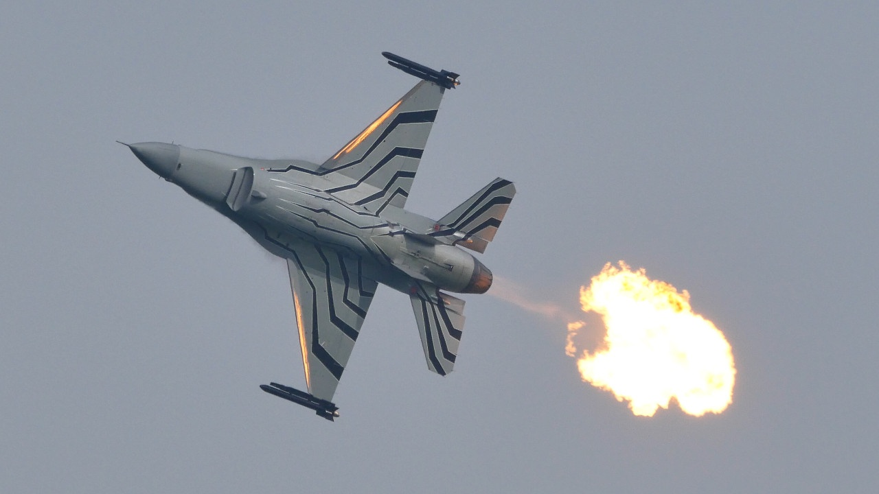 f-16 belga flame out