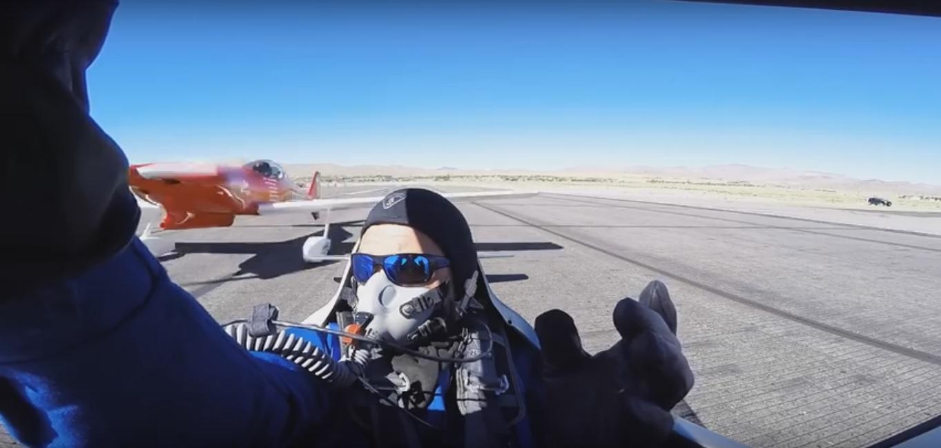 Collisione in pista tra due aerei da competizione
