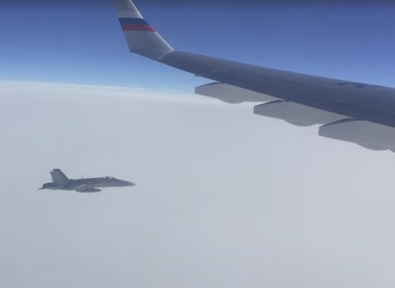 F-18 svizzeri intercettano un aereo governativo russo