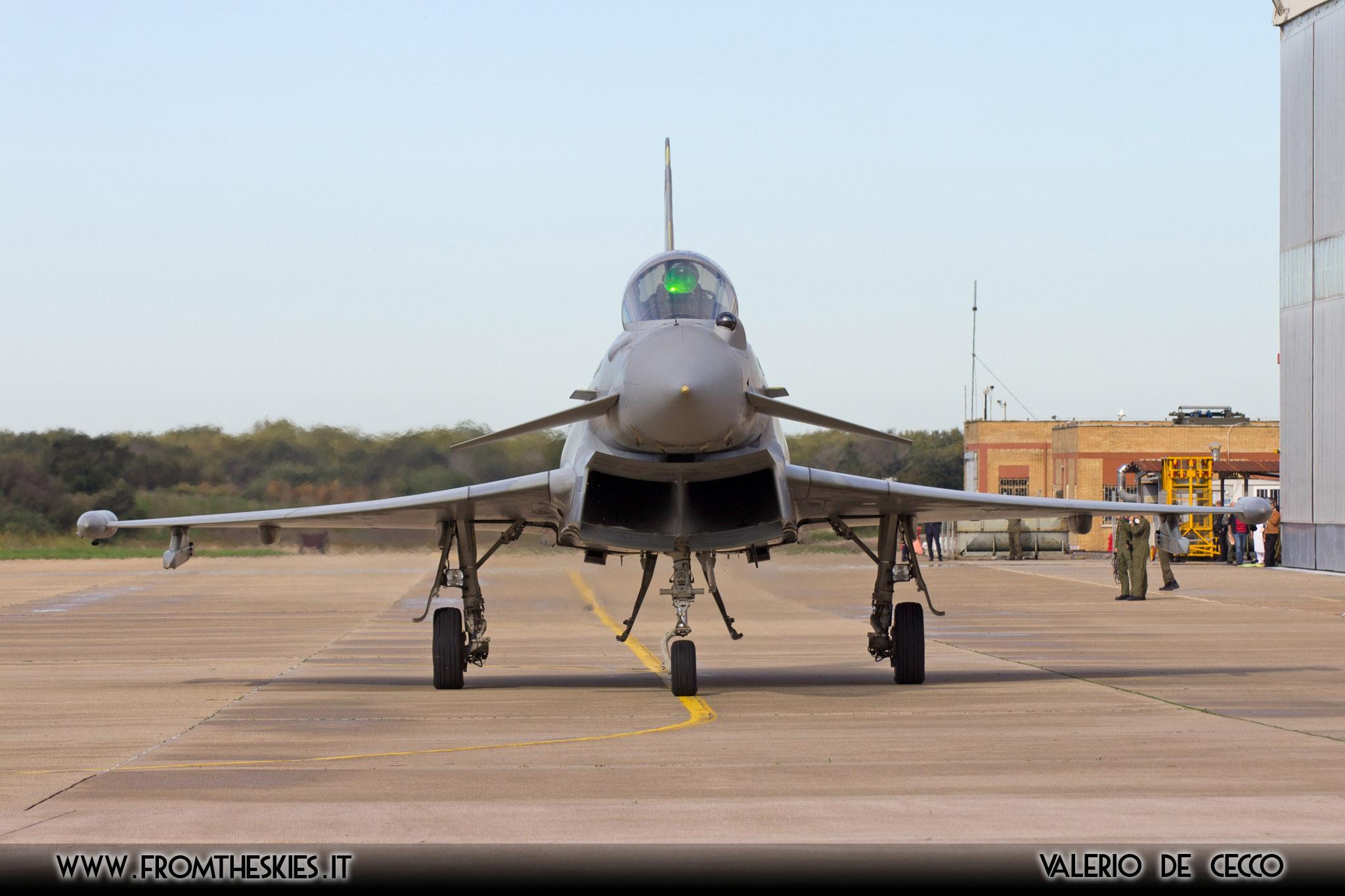 Aereo Da Caccia Efa : Eurofighter f del ° stormo intercettano aereo dirottato