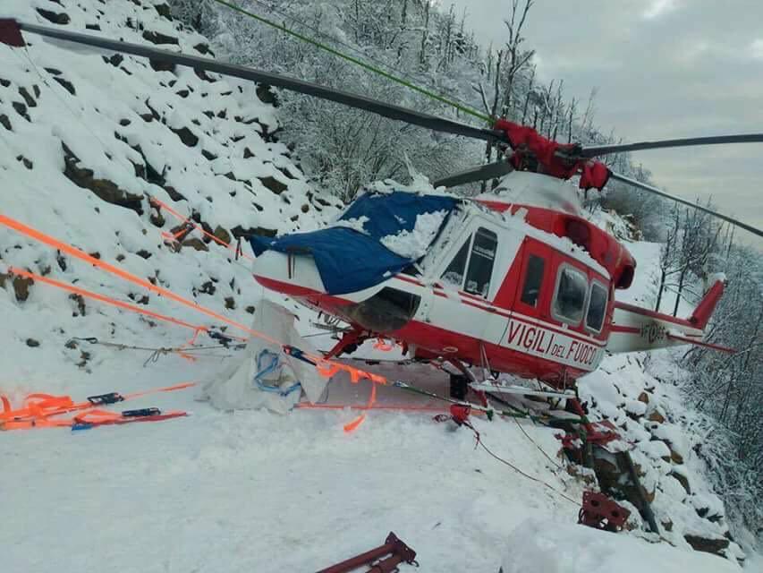 Elicottero 412 : Recuperato l elicottero dei vigili del fuoco atterrato